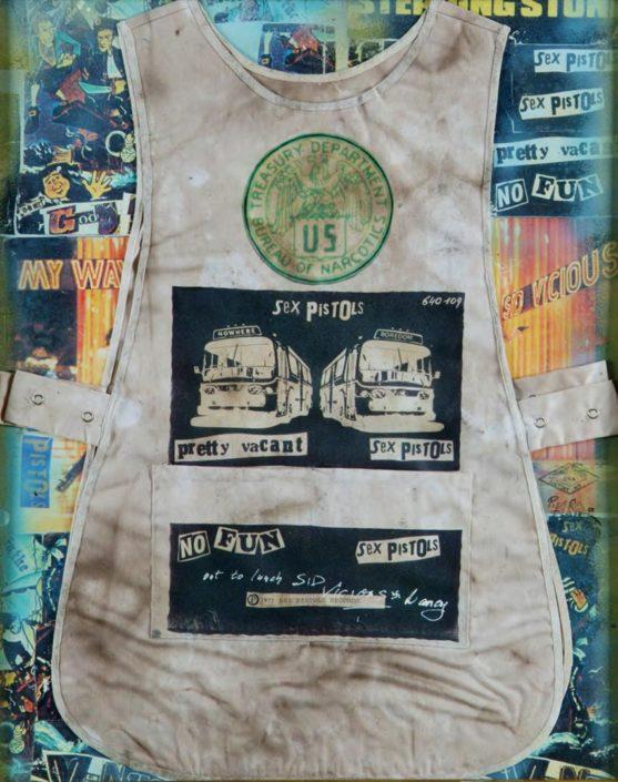 Sex Pistols. 1977 (Assinado por / Signed by Pietro Psaier - The Factory) Colagem / Fundo em serigrafia Collage / Background silkscreen 75 x 60 cm